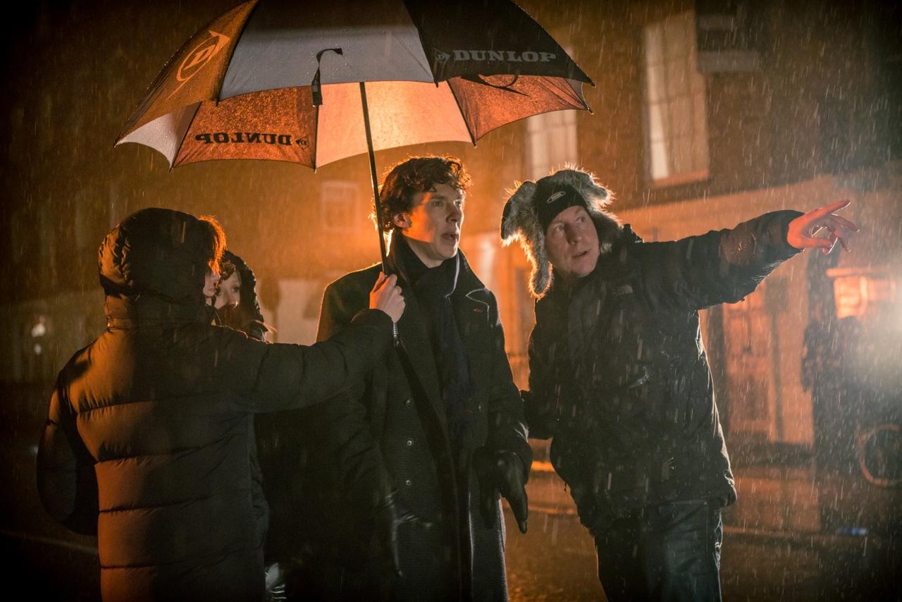 Benedict Cumberbatch (vlevo) jako Sherlock Holmes a Steve Lawes (vpravo). Foto Robert Viglasky. Publikováno se souhlasem autora v souladu s oprávněním v původním rozhovoru.